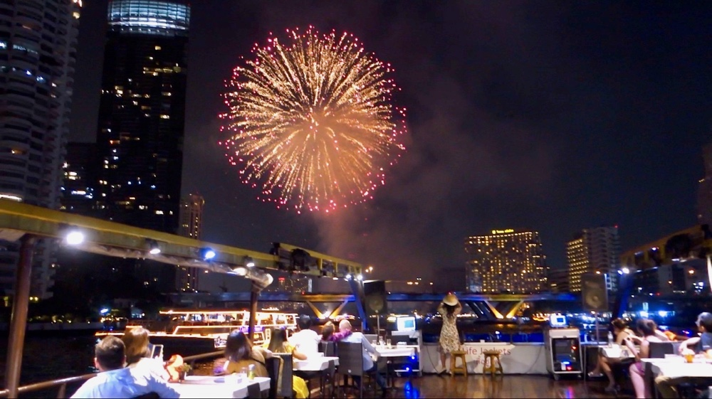 Bangkok New Years Cruise: Countdown 2021